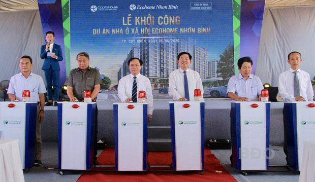 Lãnh đạo bộ cùng lãnh đạo tỉnh và chủ đầu tư tiến hành nghi lễ khởi công dự án EcoHome Nhơn Bình.